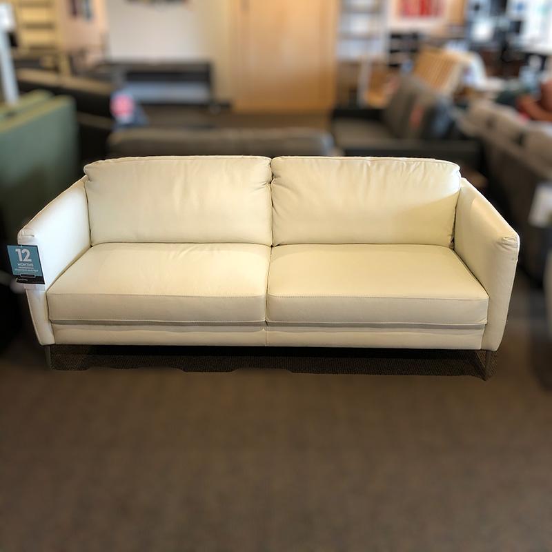 UA 37 leather sofa