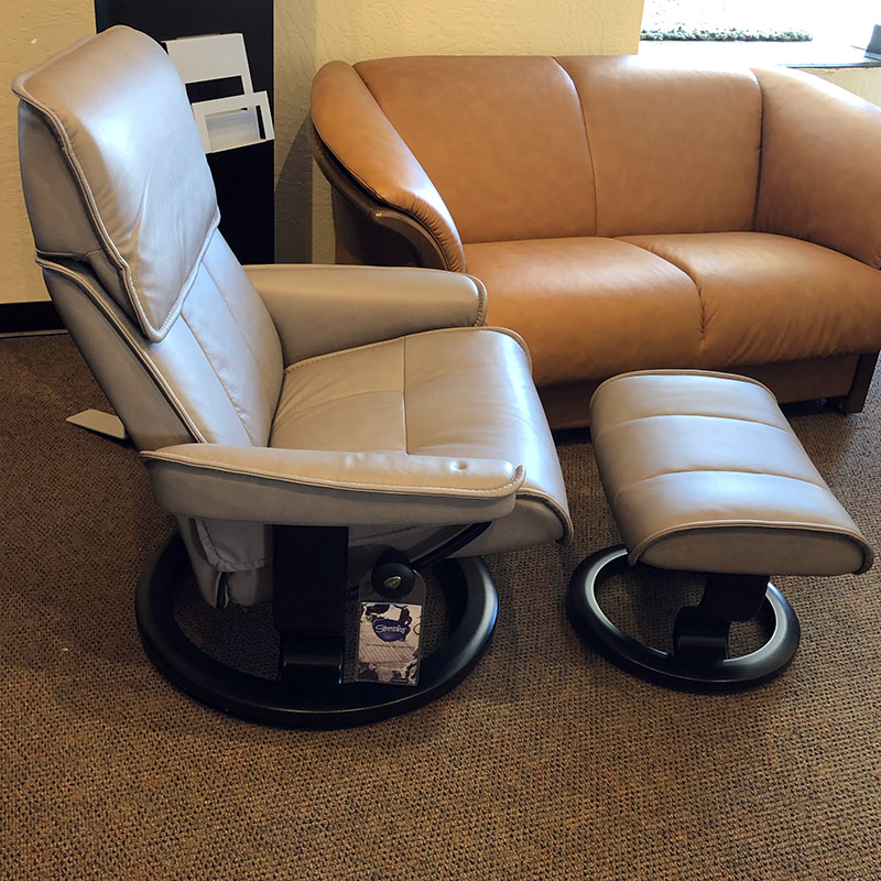 Stressless Admiral (L) recliner in Paloma silver grey