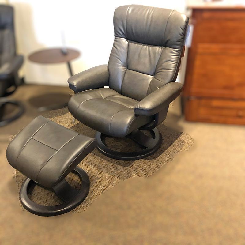 Manjana (L) leather recliner