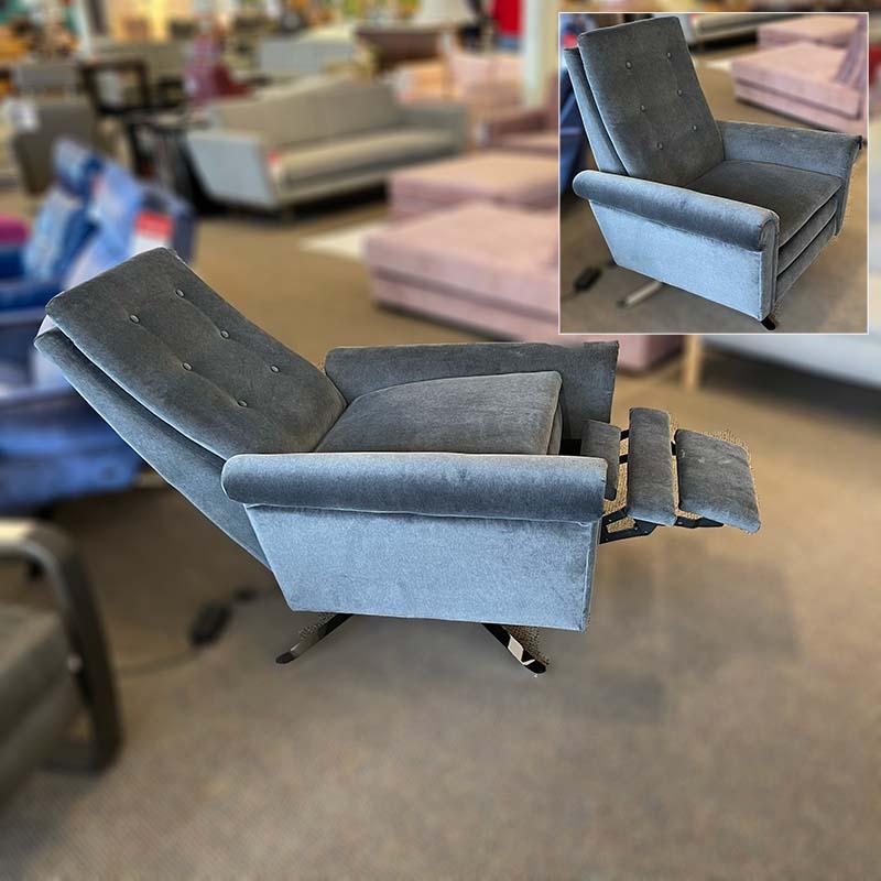 Roman recliner
